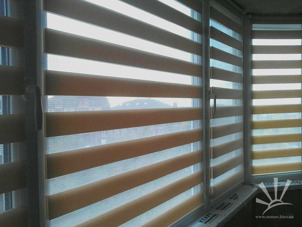Рулонные шторы день-ночь фото