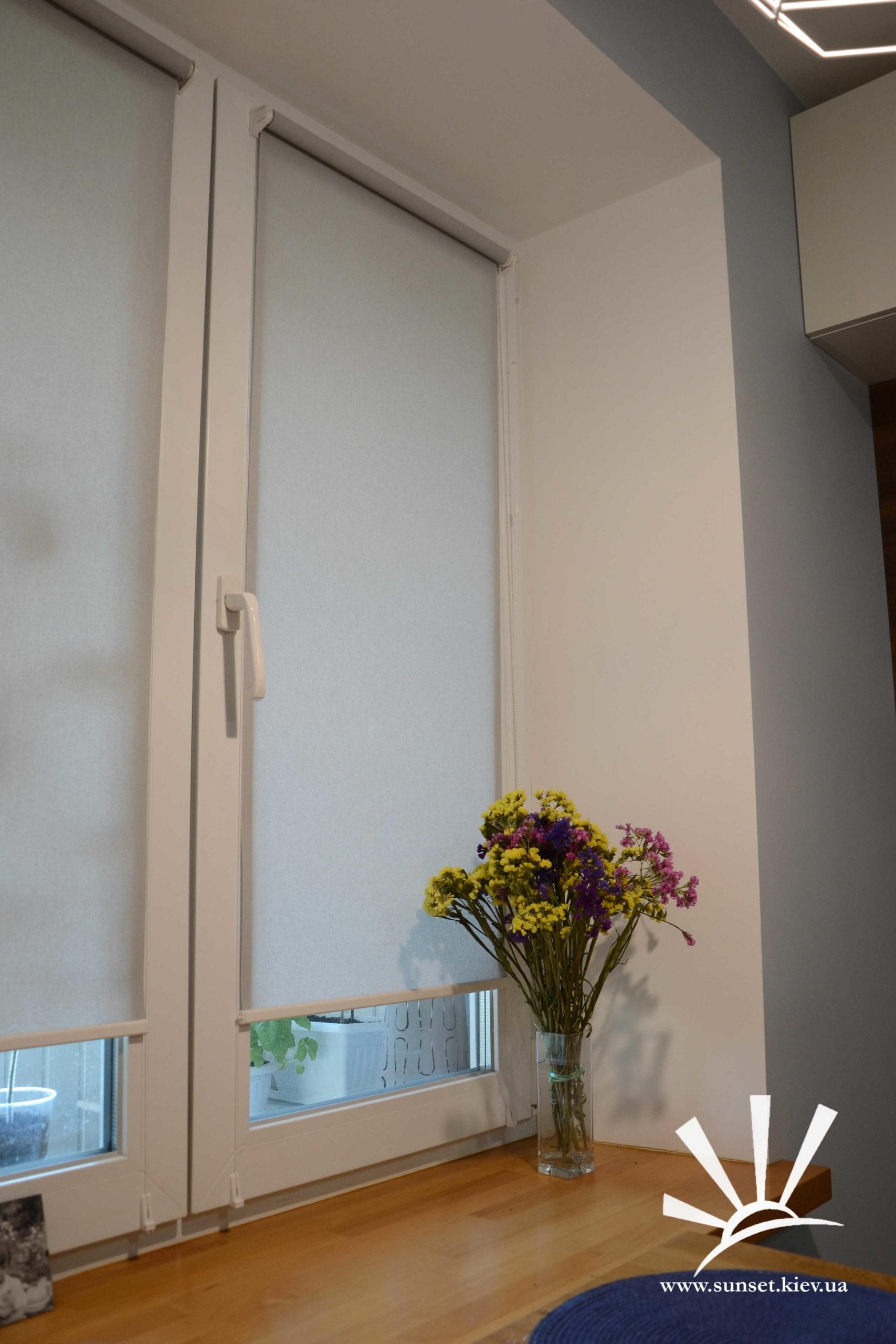 тканевые ролеты на кухню фото 2