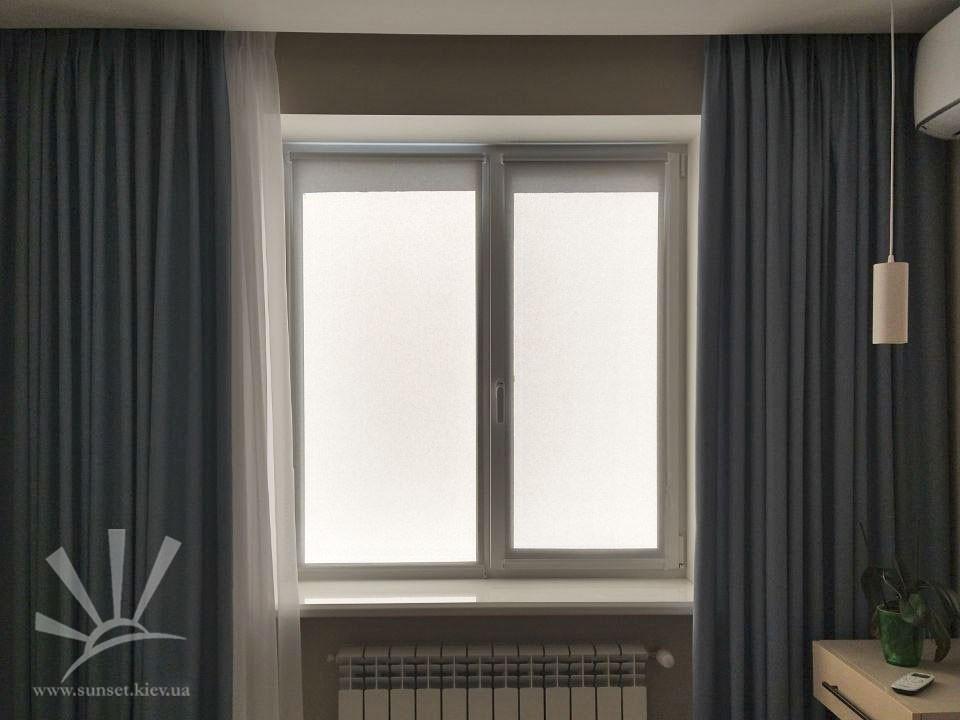 Рулоные шторы в Спальню